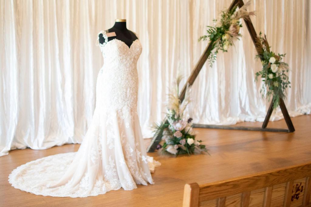 Wedding Arch & Wedding Gown