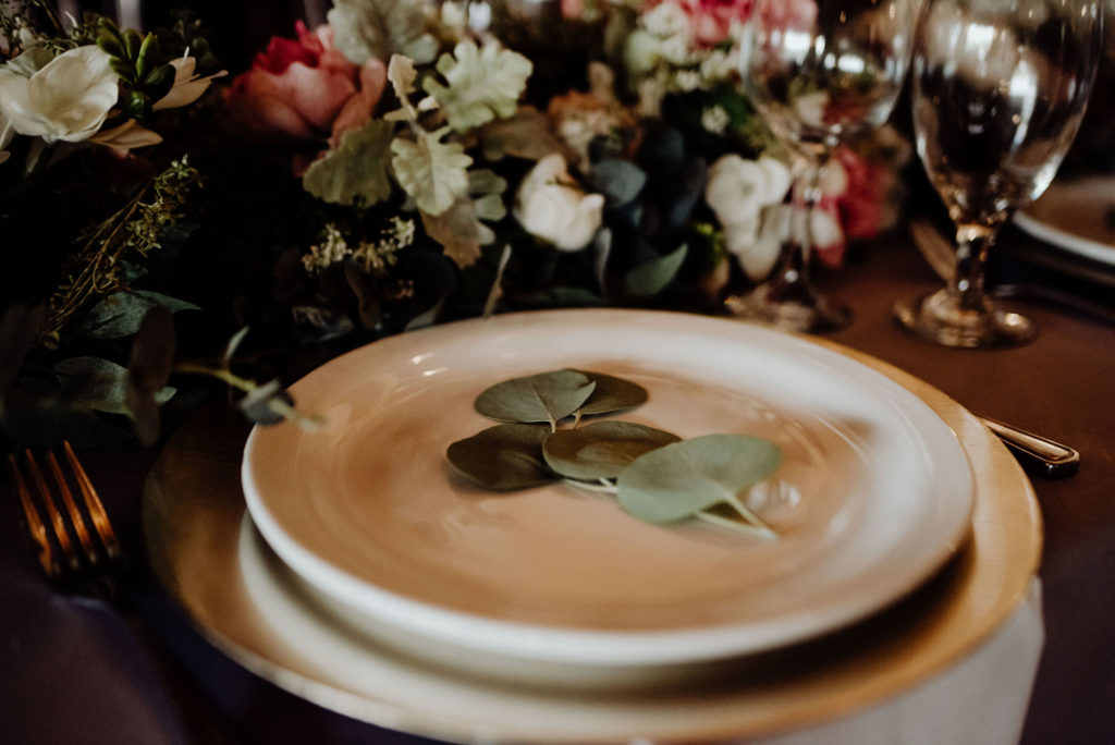 Greenery Place Card - Traditional