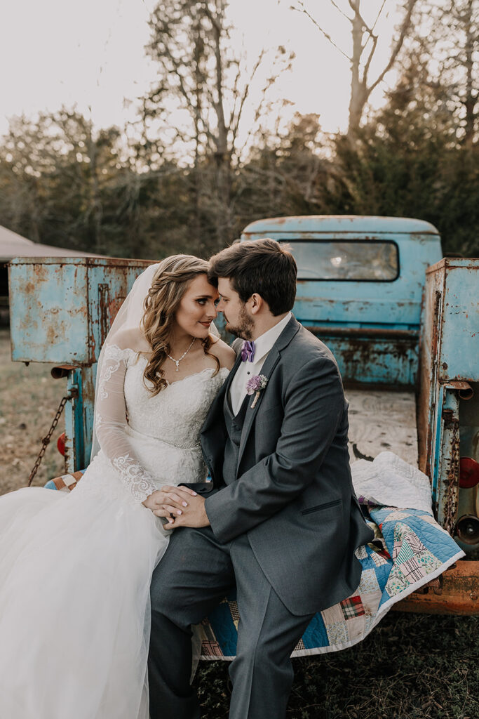 Vintage Truck - TN Tiny Weddings
