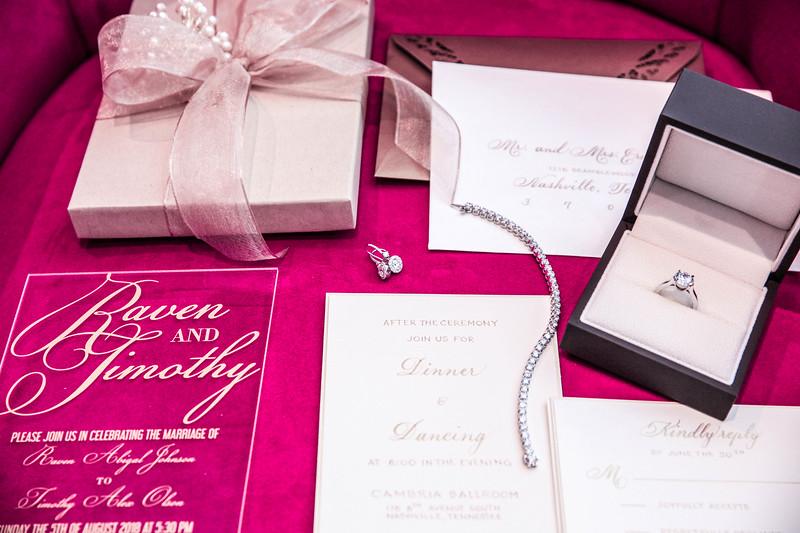 Acrylic Wedding Invitation - paperKuts studio